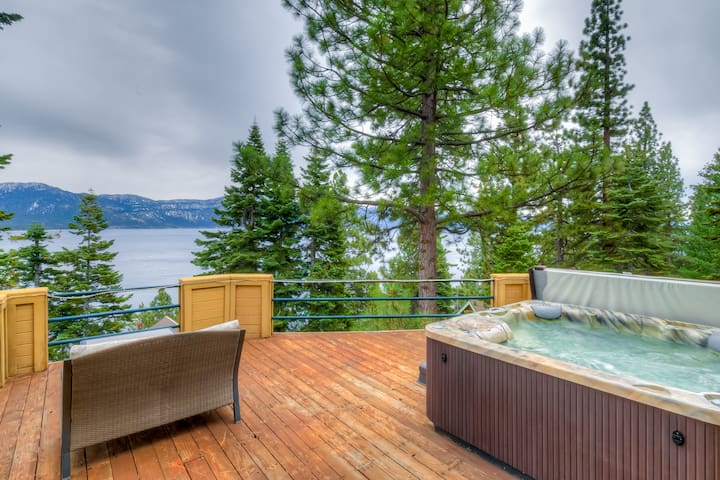 Stunning lake views, saltwater hot tub, pellet stove & dog-friendly!