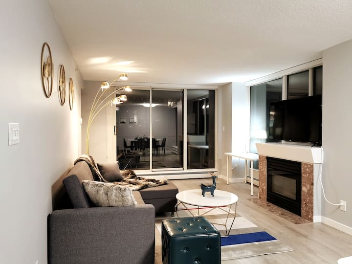 Brand New! Luxury 2BR Condo in Downtown Vancouver