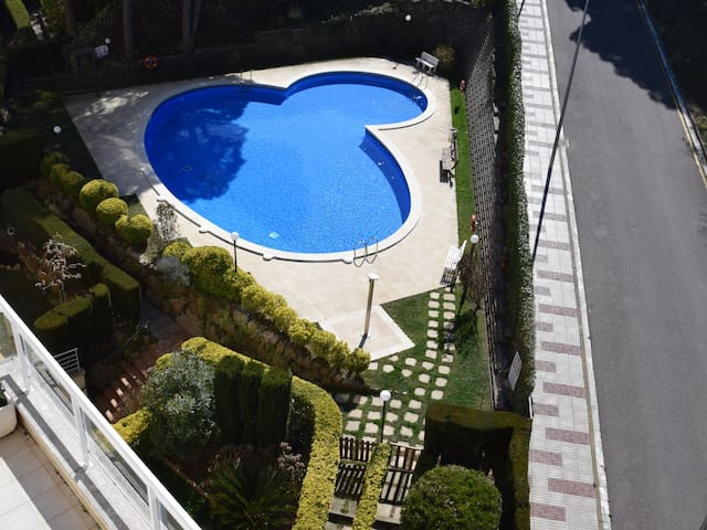 PENTHOUSE SITUATED IN THE PORT D'ARO TO 300 m FROM THE BEACH, SHARED POOL