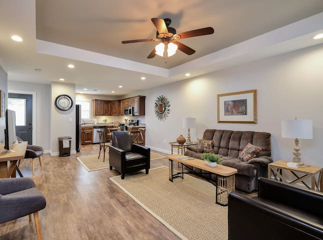 Cullman Corporate Craftsman - Sleeps 5