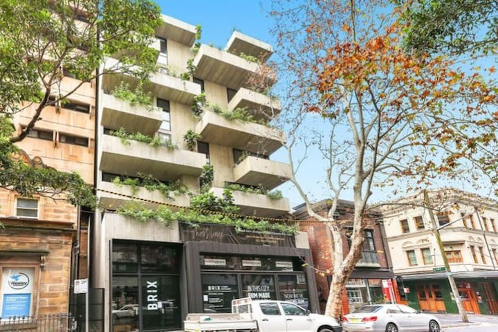 Brand new modern apartment in the heart of Surry Hills