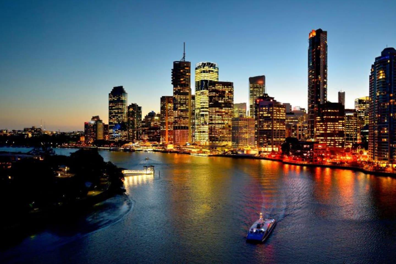 Brisbane of an evening - Brisbane river / City Cat Ferry
