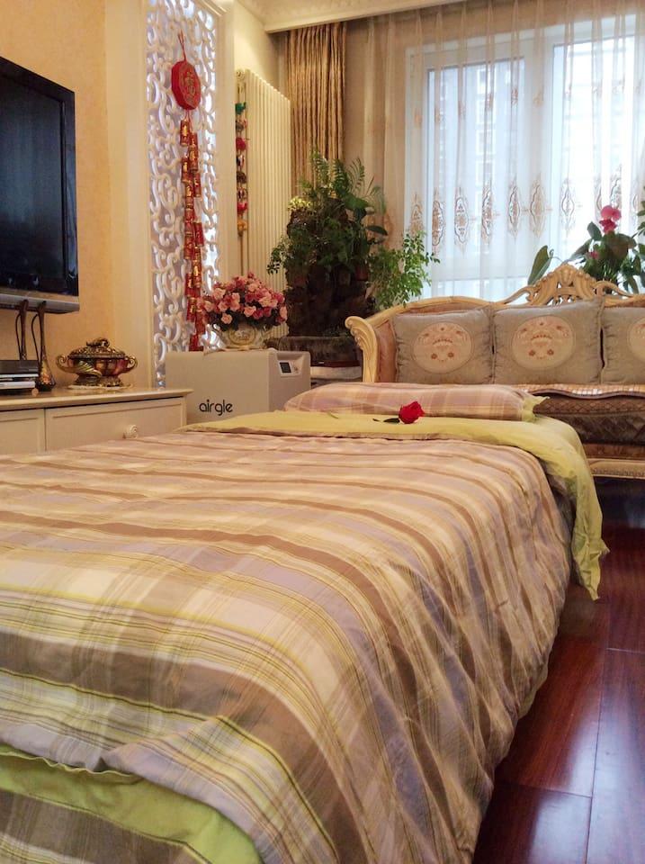 客人整体床铺的效果图。