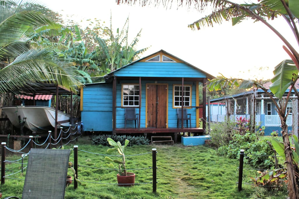 Coral bay cabin cabins for rent in big corn island for Big island cabins
