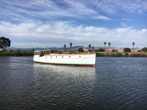 Step back in time on this beautiful classic yacht
