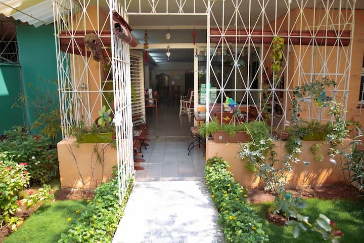 ★At home in Havana  ★Free Wifi ★ La Casa de Ana ★