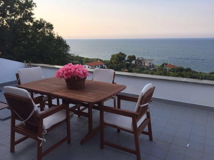 Loft vista mare sulla Costa dei Trabocchi.
