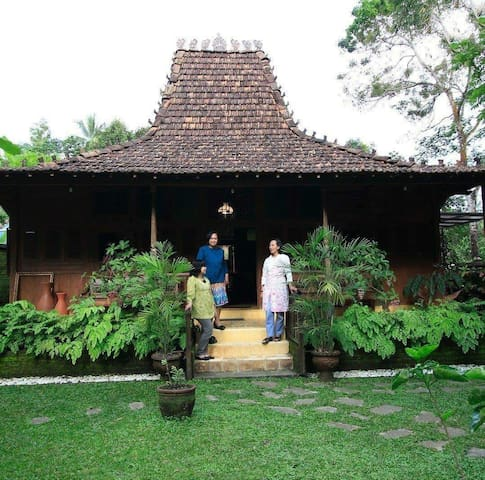 Omah Bungah (entire place)