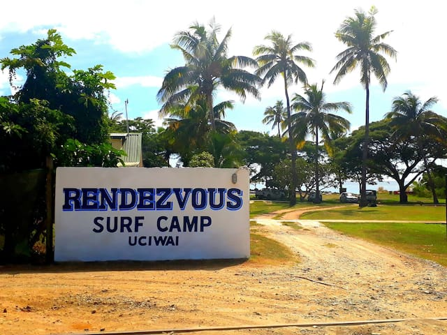 Rendezvous Surf Camp Fiji