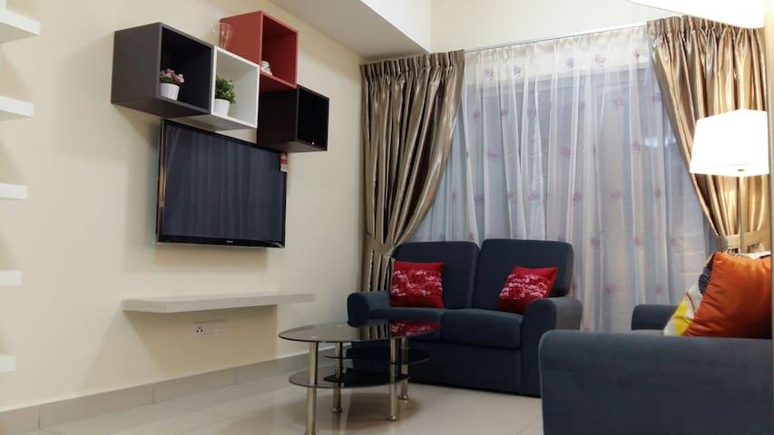 Peaceful living at Suria Jelutong - Shah Alam - Appartamento