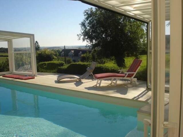 Maison avec piscine couverte - Saint-Germain-lès-Buxy - Casa