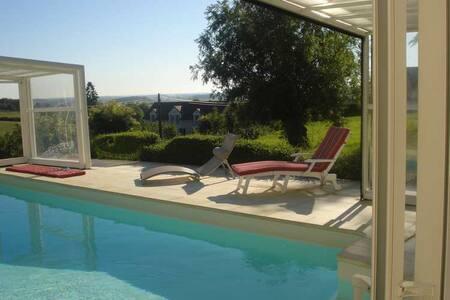 Maison avec piscine couverte - Saint-Germain-lès-Buxy