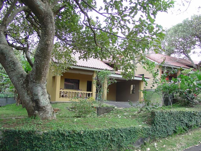 Houses with perfect location in Heredia