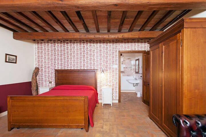 Vista romantica sull'Umbria in un casale antico