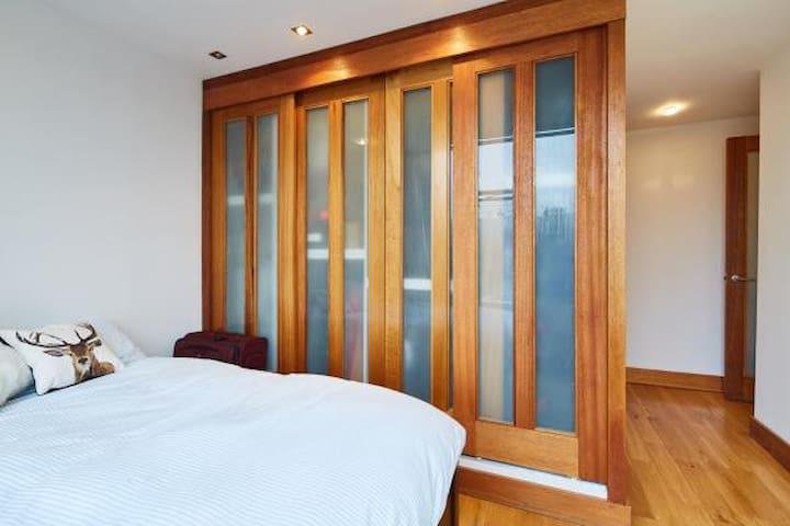 2 Bedroom Kensington