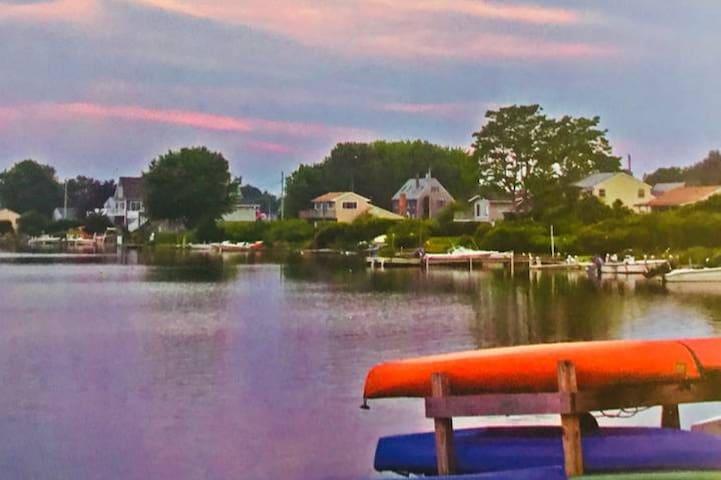 Westerly RI Shabby Chic Artists' Vacation Retreat