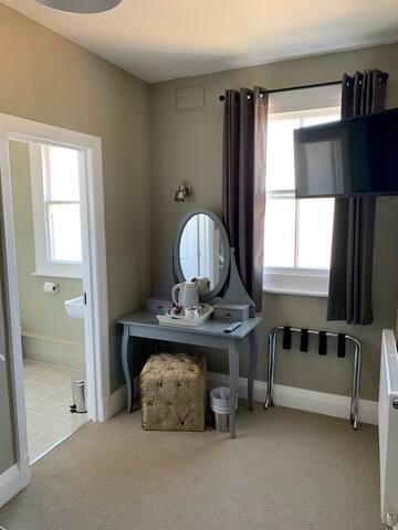 Superior Single Room Ensuite