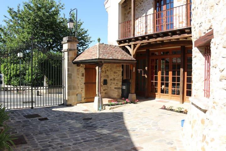 Maison de style proche Paris 250 m2 - Longpont-sur-Orge