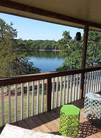 Tablerock lakefront Single family home