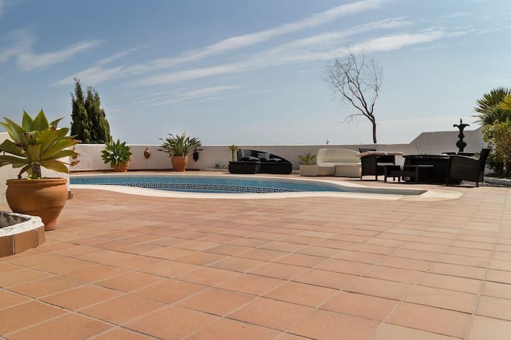 Pool terrace with sea view & loungers
