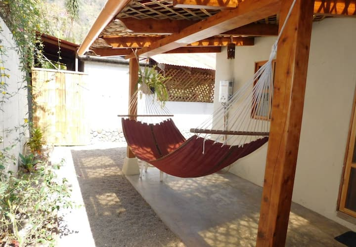 Peaceful, 1 Bed Casita with a small yard in Pana