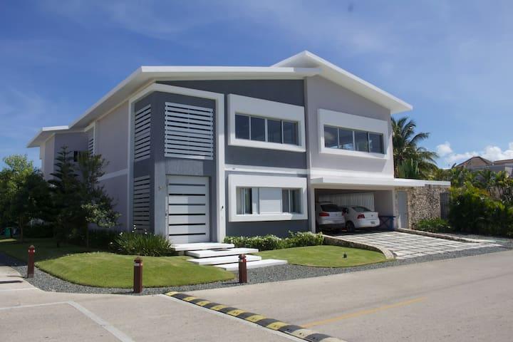 Punta Cana Modern Villa - 3BR & Private Pool