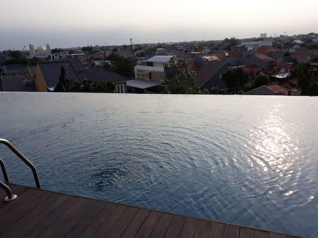 kolam renang roof top lantai MZ