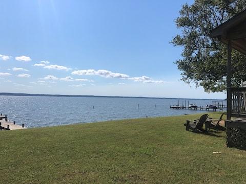 Gorgeous Waterfront River Views