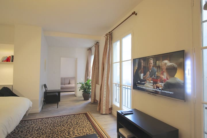 Hypercentral Paris apartment for 5/6