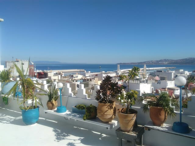Chambre avec brunch en terrasse, welcome home !!