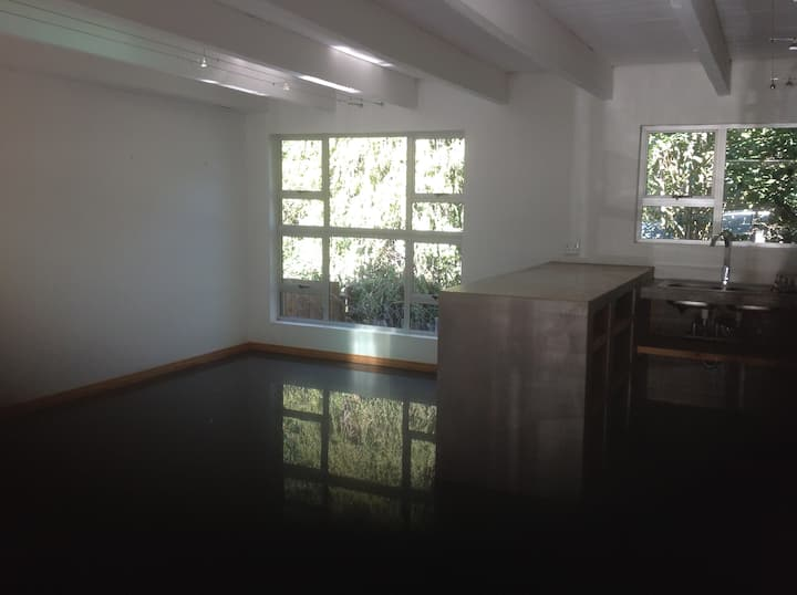 Large and private 1 bedroom studio in Parks area