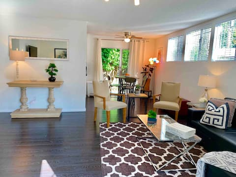 Modern 2x2 Duplex + Patio in Perfect Weho Location