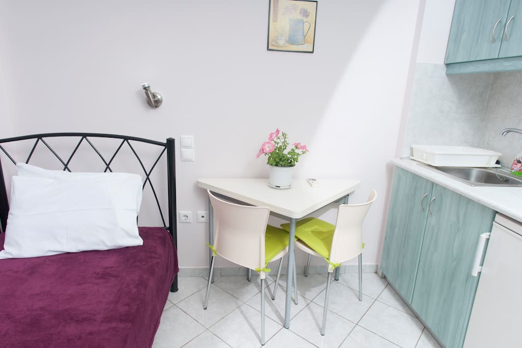 Comfrotable beds and stylish dinning table (1st studio)