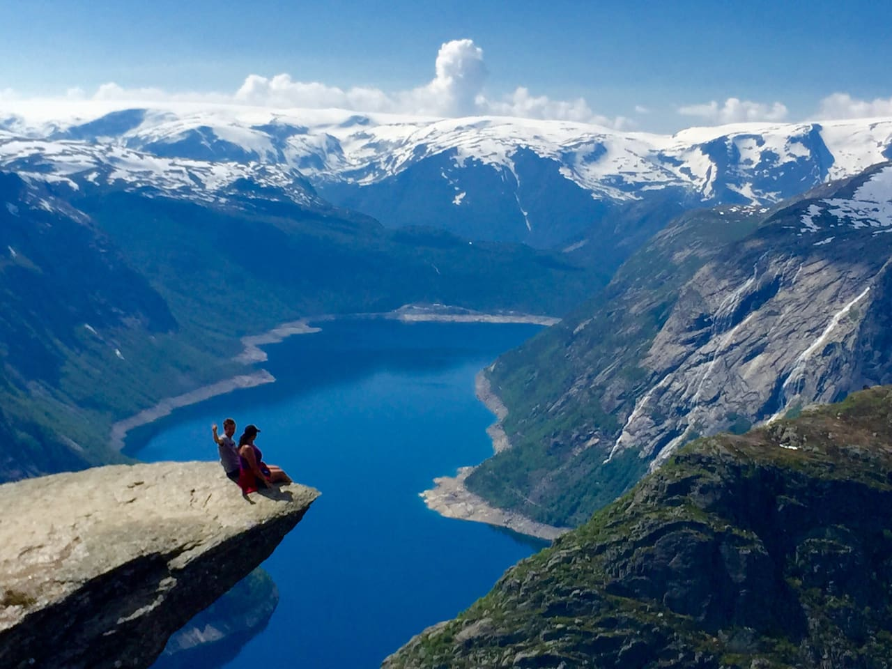 I have been on trolltunga. You must too. The best start of the trip is to stand up a stone throw away from the start. Yoøu will not come closer. Free parking is included. trolltunga parking you must pay 50 € or 55 $.