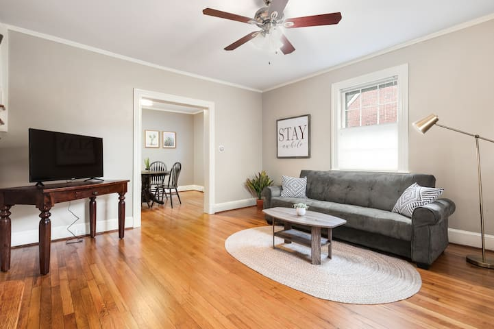 DOWNTOWN HOME >1 MI TO CITY CENTER WINTER DISCOUNT