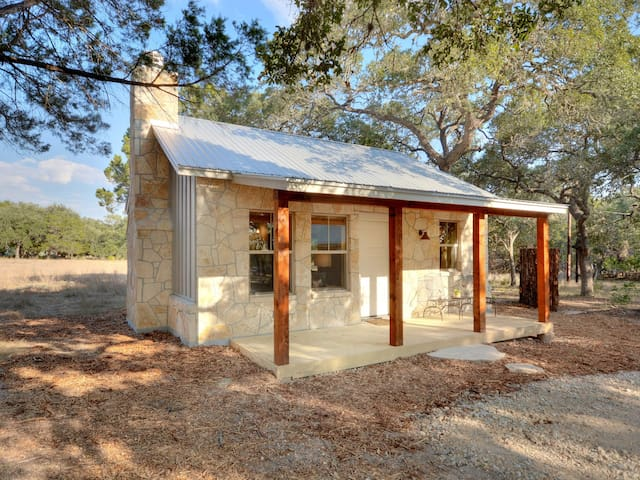Cabins at Flite Acres- Texas Sage