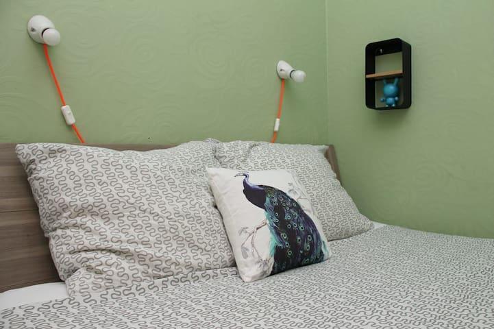 Queen size bed in second bedroom  bed 160x200