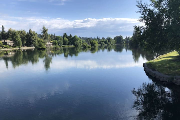 The Deschutes River sits right across the street
