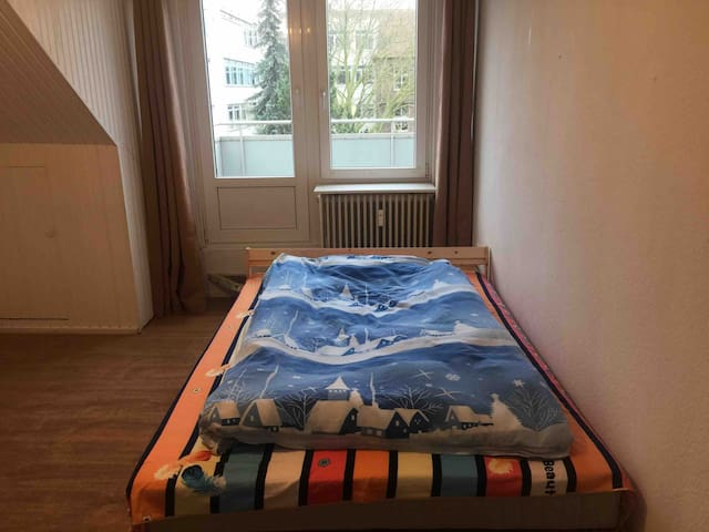 A simple but comfortable room in Bremen