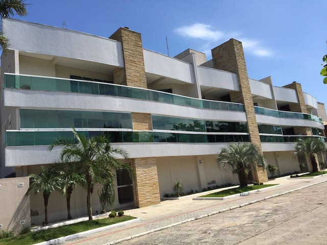 Belíssimo Apto com ótima localizaçåo Canto Grande - Bombinhas - Apartment
