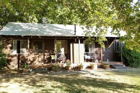 Beverley's Cabin A