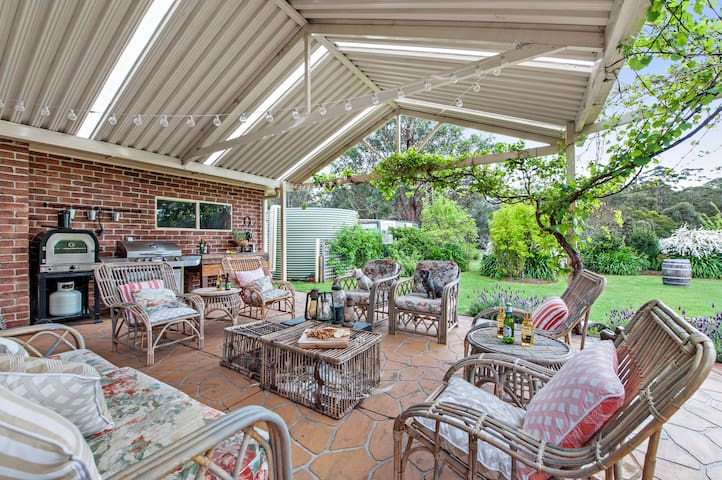 Jervis Bay Farm Stay SHORT TERM STAY WELCOMED