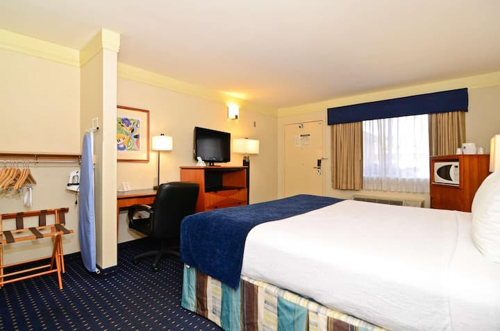 Comfortable Room Double Bed Non Smoking At Mission Bay-Sea World