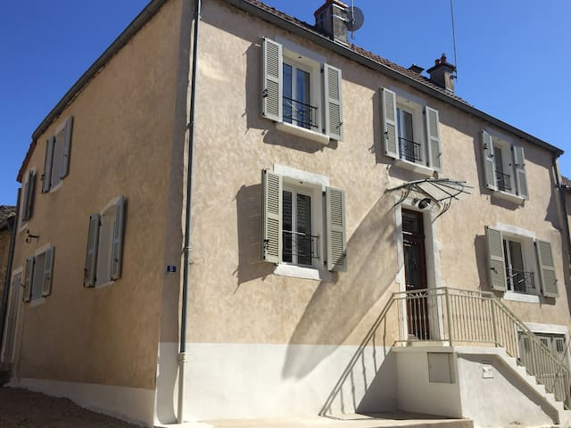 Chez Montrachet, all new, superb 3 bdrm/3.5 bath - Puligny-Montrachet - Casa