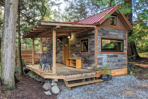 Tiny House in Salt Spring's Beautiful South End