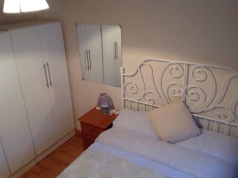 Cosy room in Swords, near Dublin Airport Room 1