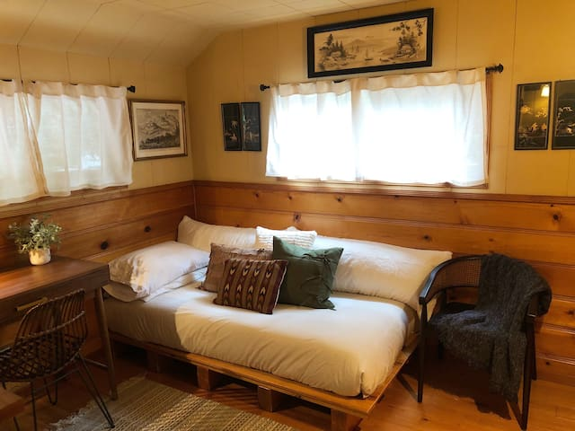 Guest Bedroom- Single Mattress
