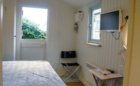 Cosy Cabin in the heart of Stroud