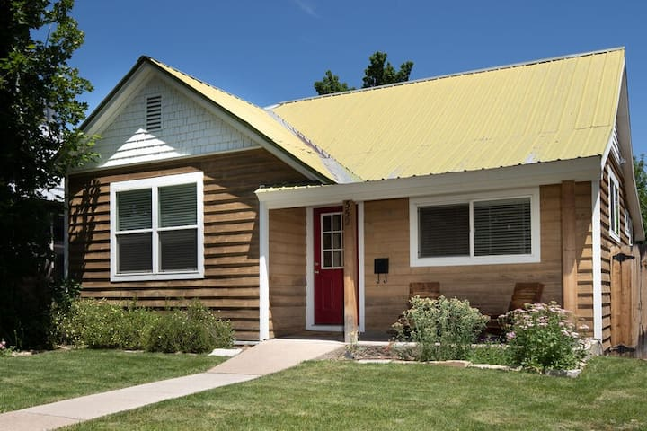 Hip, comfortable 3 bedroom house just a few minutes walk to downtown Durango.