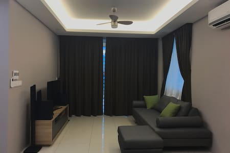 Cozy 3bedroom with parking included - Butterworth  - Apartament
